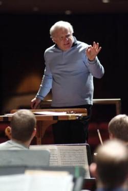 Maestro Leonard Slatkin Rehearses